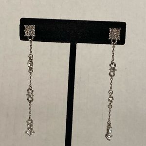 Jewelry - Vintage rhinestone earrings dangle delicate long